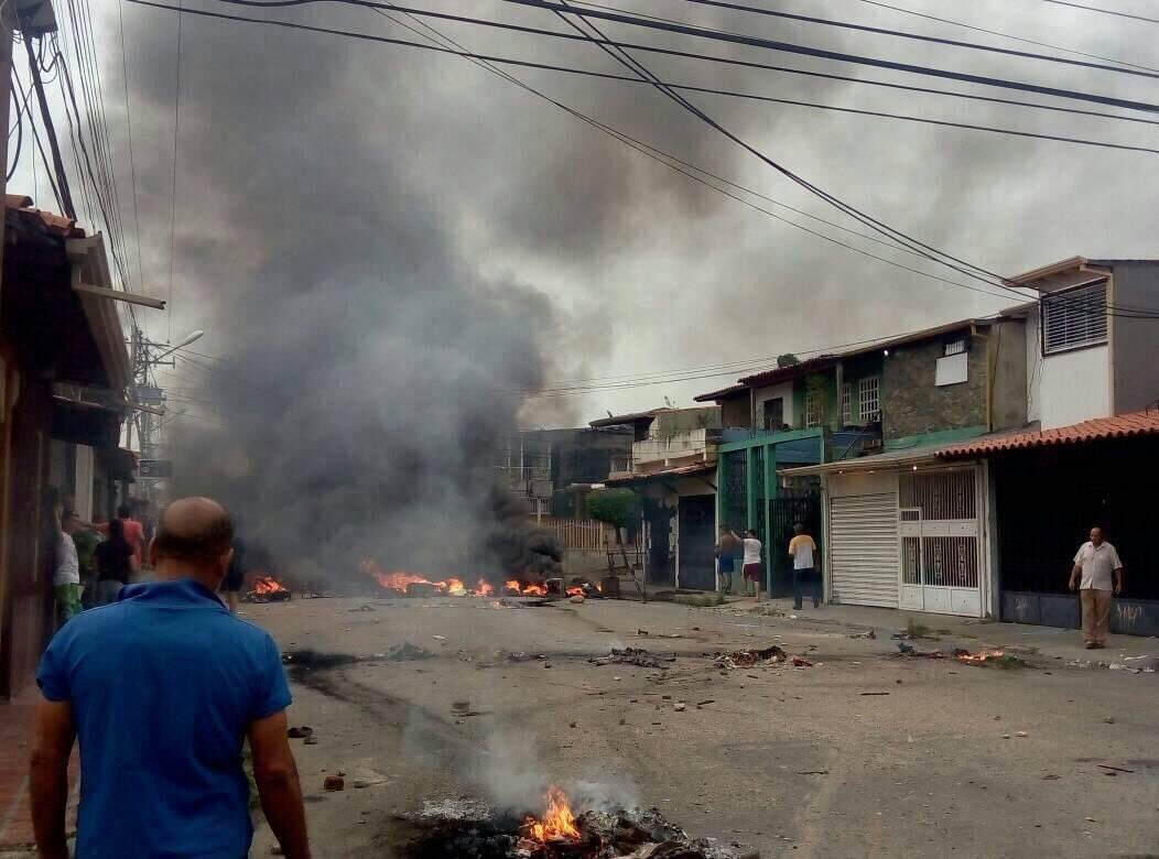 آتش زدن خانه پدری هوگو چاوز
