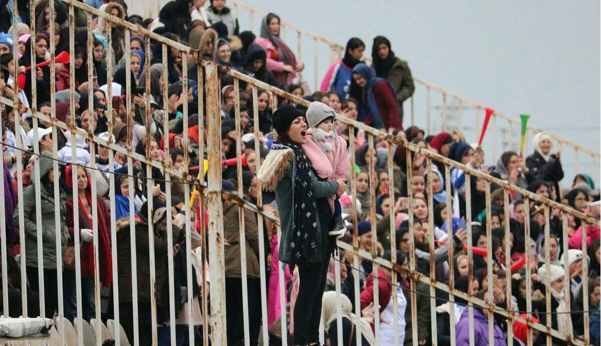 حضور بانوان در استادیوم فوتبال