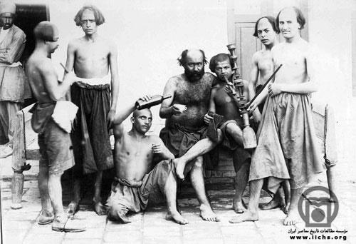 ژست اراذل و اوباش در عکس یادگاری دوره ناصرالدین شاه