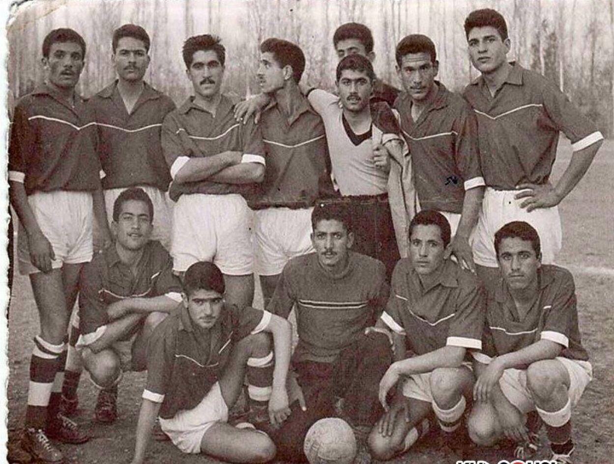 محمدرضا شجریان در ترکیب یک تیم فوتبال