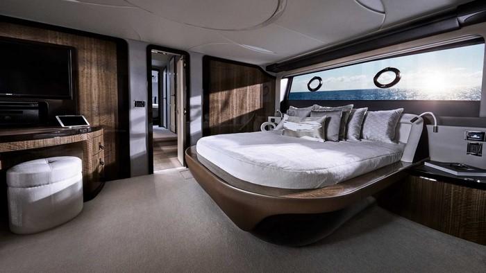 قایق تفرحی لوکس لکسوس