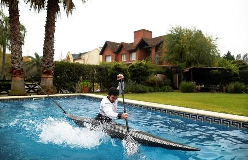 تمرین قایقران المپیکی آرژانتین در استخر خانگی. رویترز