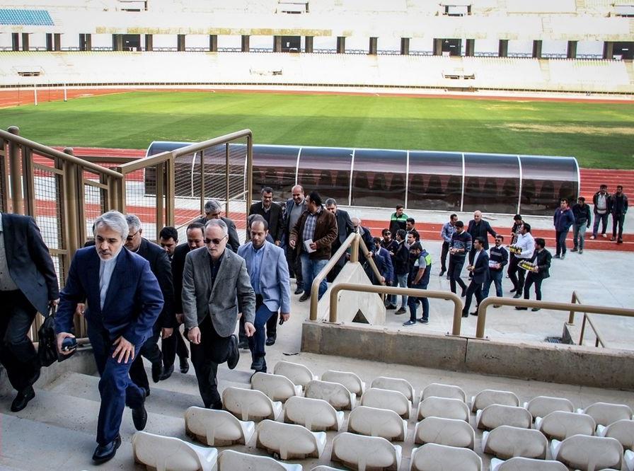 نوبخت در استادیوم ورزشی شیراز