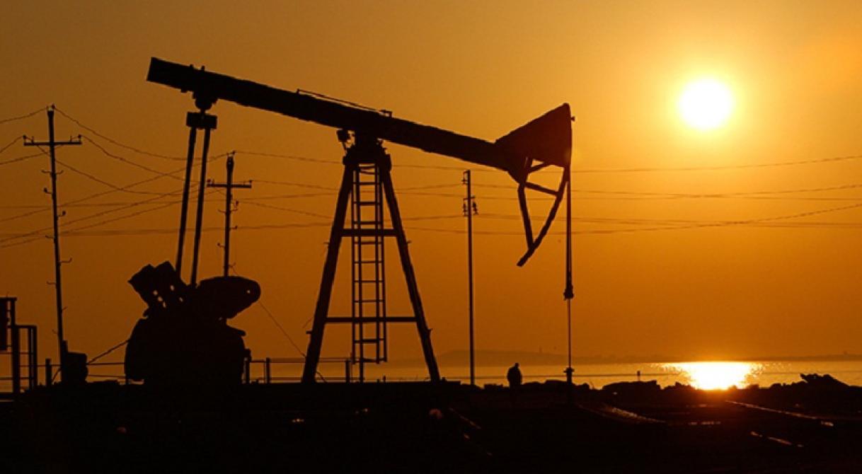 بازگشت نفت آمریکا به کانال 50 دلاری/ نفت برنت 52 دلار شد