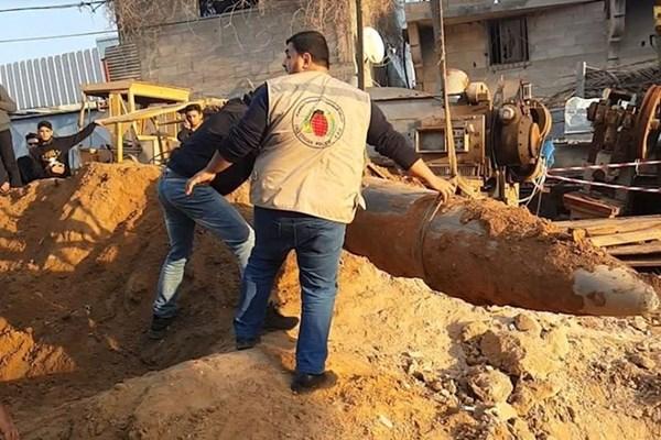 بمب یک تُنی در نوار غزه +عکس