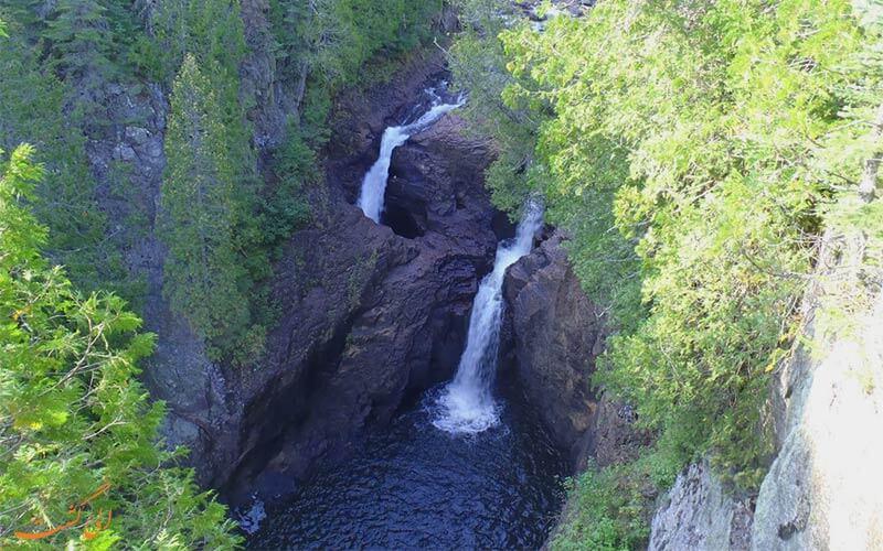 آبشار عجیب