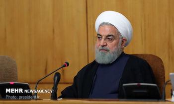 روحانی: آمریکا دچار معلولیت ذهنی شده است /دست سپاه را برای سرنگونی پهپاد جاسوسی میبوسیم
