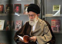 عکس | دست نوشتههای مقام معظم رهبری بر آثار حوزه دفاع مقدس