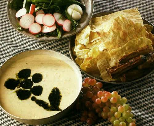 غذاهای عجیب ایرانی/ از کلهپاچه با برنج تا دلمه سیرابی! + تصاویر