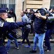 جلیقهزردها دو پلیس فرانسه را مجروح کردند