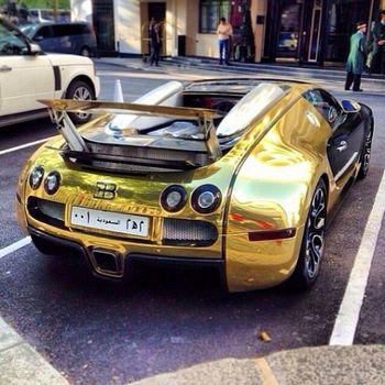 خودرویی از جنس طلا که چشمها را خیره میکند +تصاویر