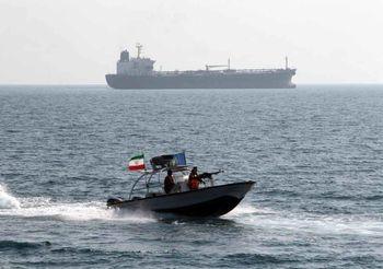 تحلیل رسانه عربی از همزمانی رزمایش سپاه با ورود ناو آمریکا به خلیج فارس/ احتمال بستن تنگه هرمز بیشتر شد