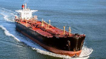 بلومبرگ: سیاست جدید ایران برای مقابله با تحریم نفتی جواب داد