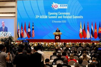 آغاز نشست سران جنوبشرق آسیا در سایه رقابت بر سر قدرت