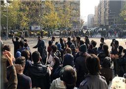 روایت یک شاهد عینی از تجمعات دیروز خیابان انقلاب