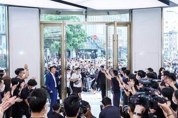 افتتاح بزرگترین برندشاپ هوآوی در شانگهای چین