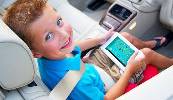 موبایل ها محبوب تر از تلویزیون برای کودکان