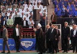 حسن روحانی: آمریکا خواهد دید که صادرات نفتمان را ادامه میدهیم/ کارگران در خط مقدم مبارزه با تحریم هستند
