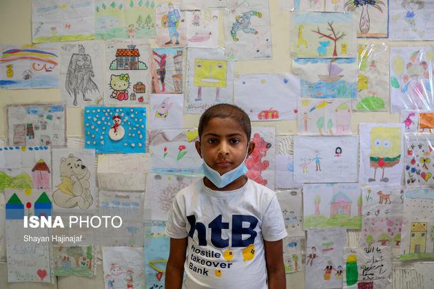 امیرحسین 11 ساله آرزو داشت تا روزی سلامتی خود را به دست بیاورد و مهندس پتروشیمی شود اما جان خود را به دلیل سرطان از دست داد و به آروزی خود نرسید.