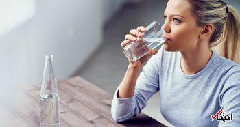 باورهای درست و غلط درباره آب خوردن