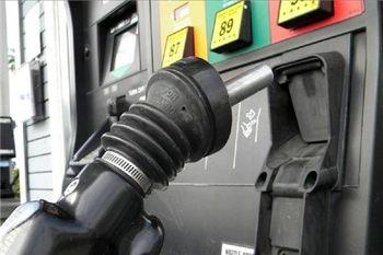 افزایش قیمت بنزین چه سیگنالهایی به بورس تهران میدهد؟