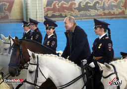 سوارکاری پوتین با پلیسهای زن روسیه