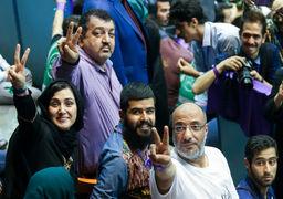 دفاع تمام قد خانم بازیگر مشهور از رای به حسن روحانی + عکس