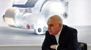 پیشنهاد یک قطعه ساز برای برون رفت صنعت خودرو از بحران