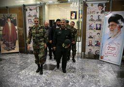 دیدار صمیمانه فرماندهان کل ارتش و سپاه + عکس