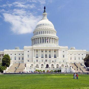 مجلس نمایندگان ۲۰۴ - ۱۹۰ دموکراتها؛ سنا برابر ۴۸