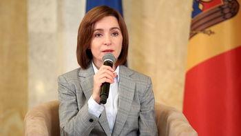 این رئیس جمهور زن به سه زبان با شهروندان کشورش سخن گفت