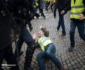 تصاویری از درگیری جلیقهزردها و پلیس در فرانسه