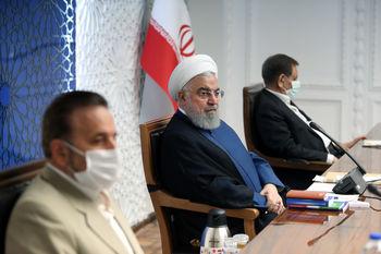 دستور روحانی برای مهار ارز؛ نیروهای انتظامی و امنیتی به بانک مرکزی کمک کنند