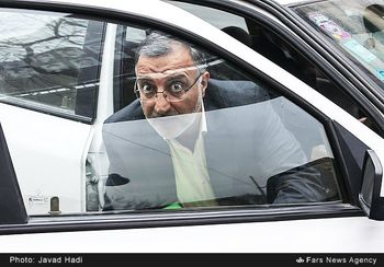 فردی که زاکانی «عنصر فاسد» خواند، همراه آملی لاریجانی در مجمع تشخیص است