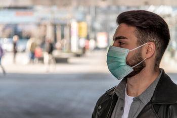 تکلیف استفاده از ماسک برای جلوگیری از کرونا در روزهای بارانی چیست؟