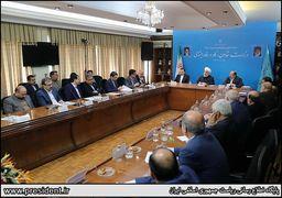 روحانی: نظامیها  باید دست از اقتصاد بردارند +فیلم