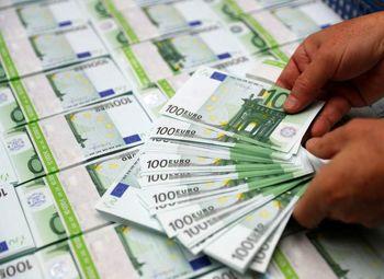 دلار در بازار جهانی کاهشی شد