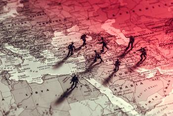 کاخ آمریکا در خاورمیانه درحال فروریزی است