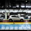 معمای بازگشت رنو به خط تولید خودروسازان داخلی!