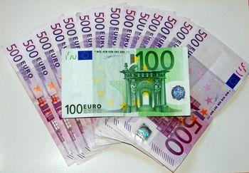 قیمت یورو امروز سه شنبه ۱۳۹۸/۱1/01 | افزایش دوباره نرخ یورو