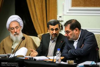 رایزنی جالب احمدی نژاد با شمخانی در جلسه مجمع تشخیص مصلحت + عکس