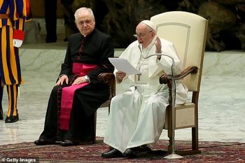 کرونا زن است یا مرد؟/ پاپ فرانسیس پاسخ داد