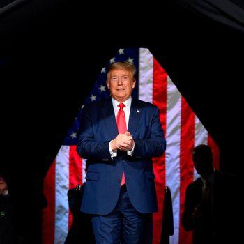 مشاور کاخ سفید: کنگره ترامپ را پیروز اعلام میکند
