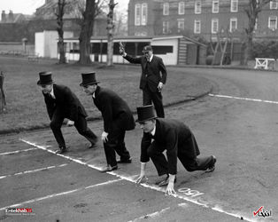 7 مارس 1936 : مسابقه دو با لباس های متفاوت