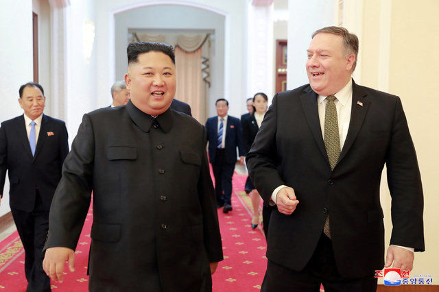 کیم جونگ اون و مایک پامپئو