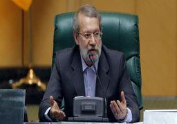واکنش علی لاریجانی به بگومگوی دو نماینده در صحن علنی