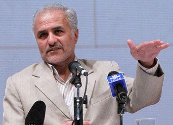 حرف های جنجالی حسن عباسی که روز گذشته پس از حدود ۷۰ روز از زندان آزاد شد
