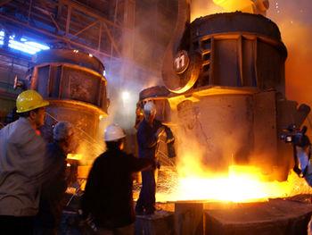 واردات فولاد تعلیق شود