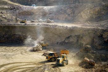 استخراج معدن سنگ آهن جلال آباد دو برابر می شود