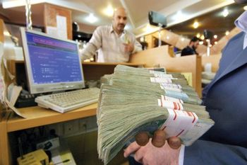 بانکها از تعویق اقساط وامهای قرضالحسنه سرپیچی میکنند
